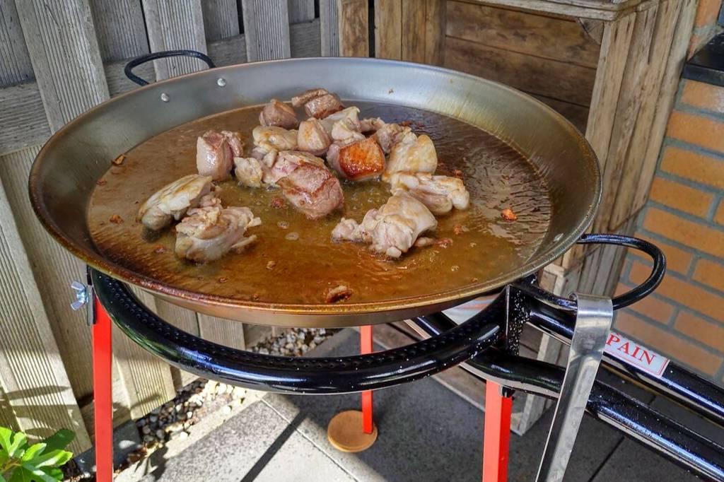 Gebruik het juiste paella gereedschap