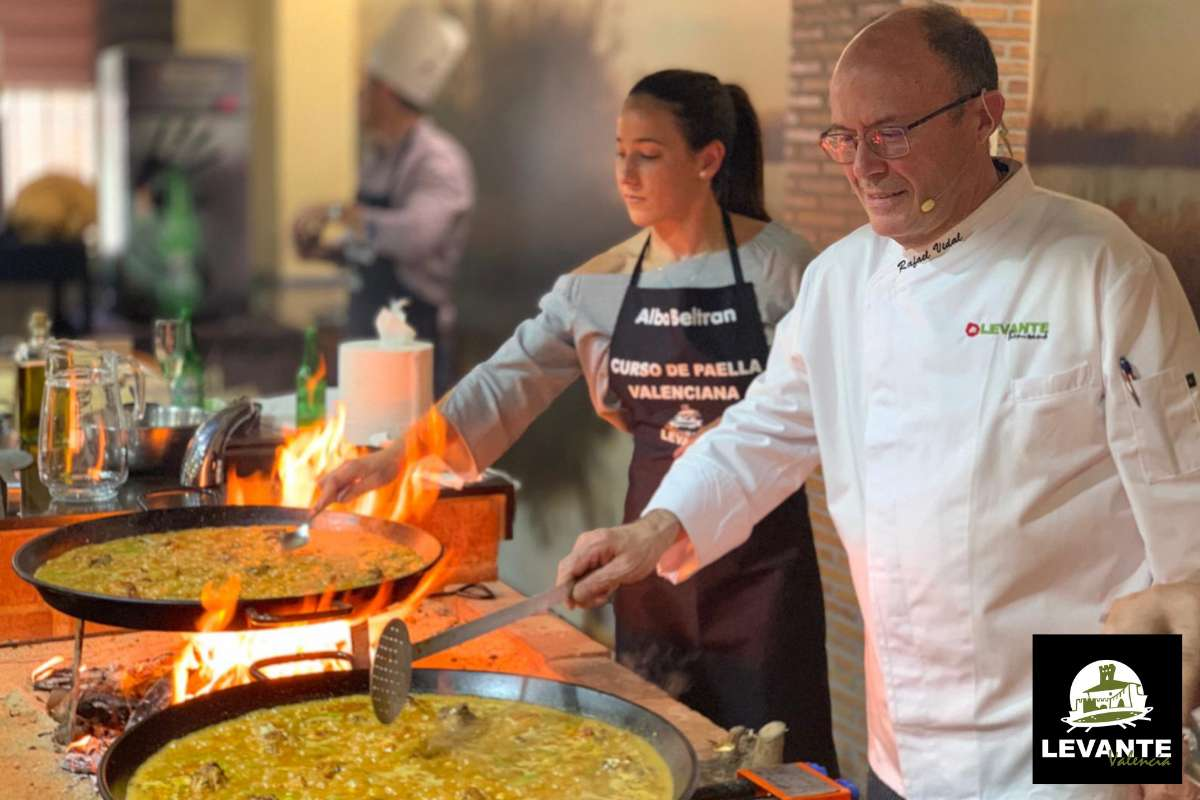 Sfeerbeeld van paella restaurant Levante Valencia