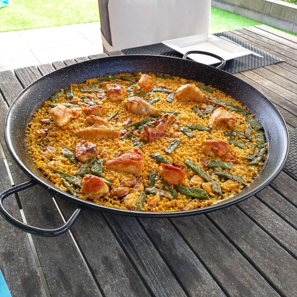 Paella Pan Emaille met paella met kip