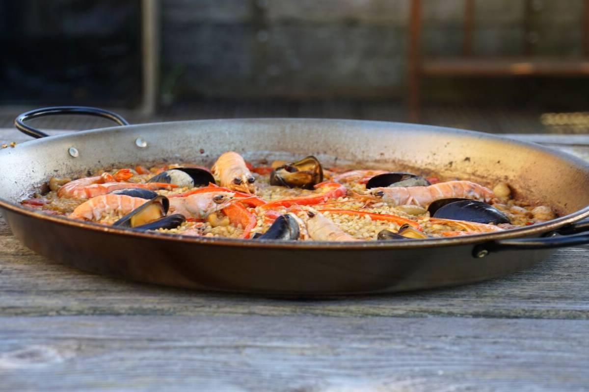Paella met zeevruchten recept