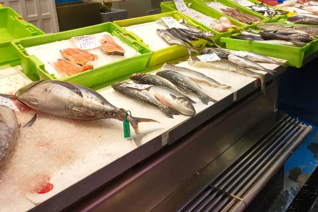 Vis op de markt uitgelicht