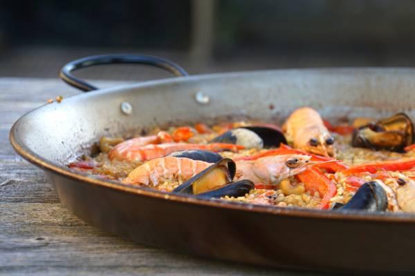 Hoe maak je paella met zeevruchten