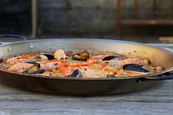 Paella met zeevruchten recept 600x400