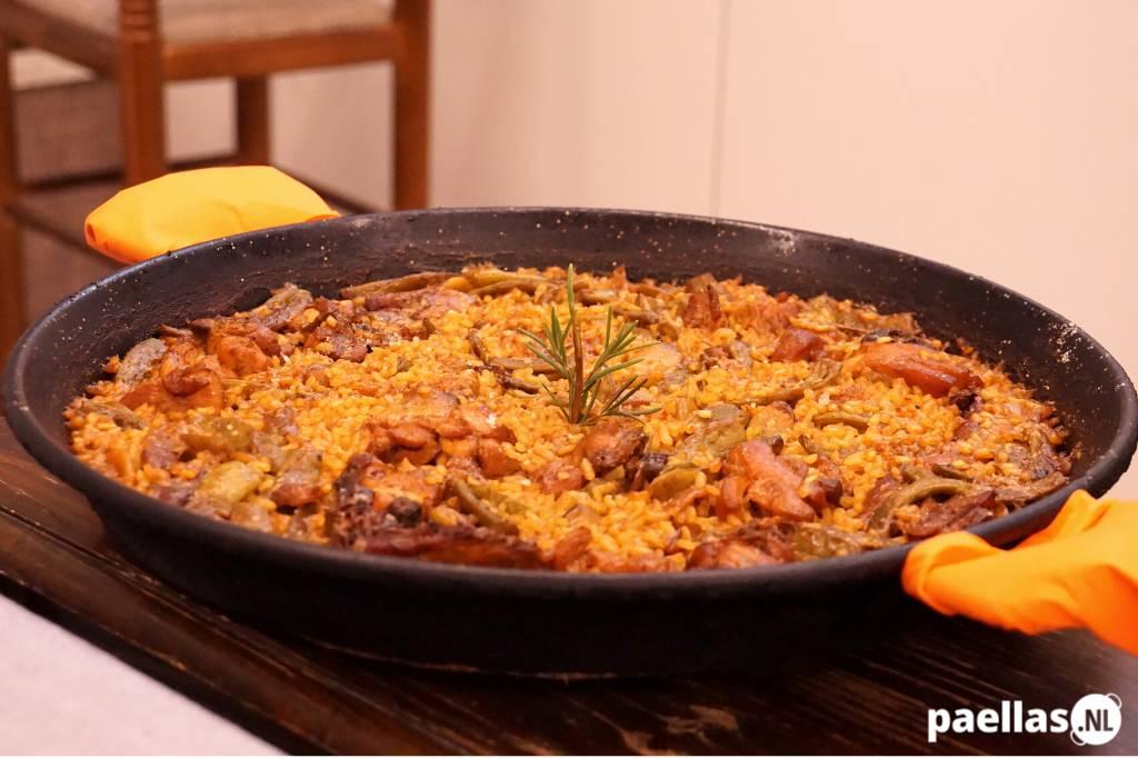 Wat is paella valenciana