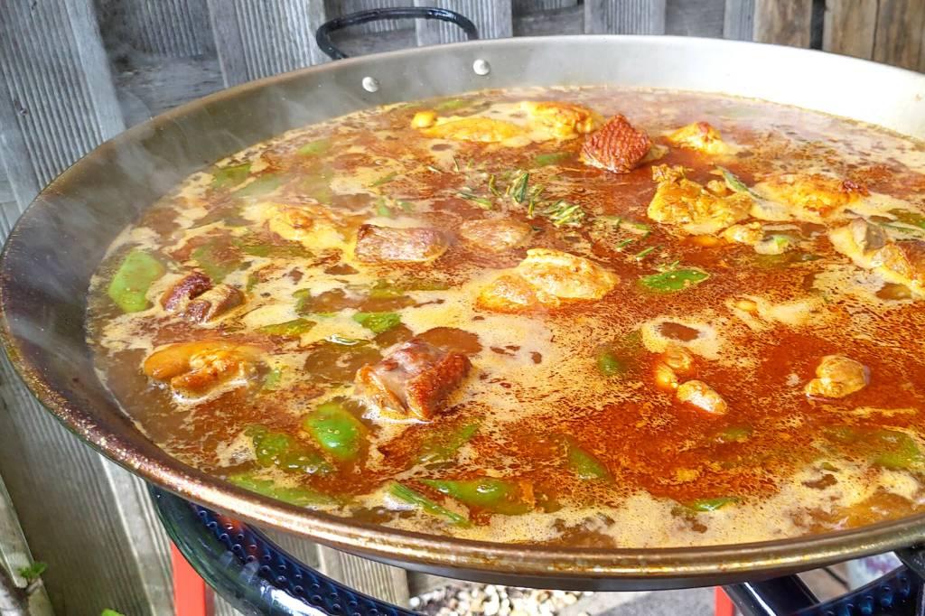 Welke bouillon heb ik nodig om paella te maken