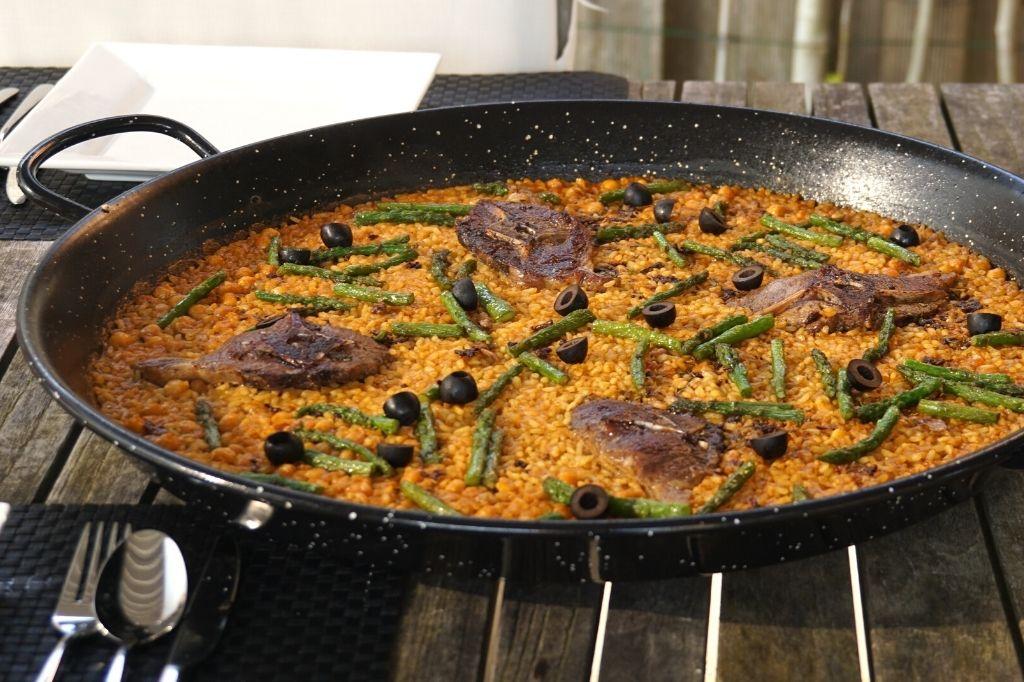 Paella recept met lamskotelet en groene asperges